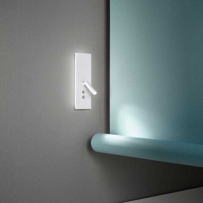 """Applique a LED dimmerabile di design moderno in metallo con porta usb """"Plate"""""""
