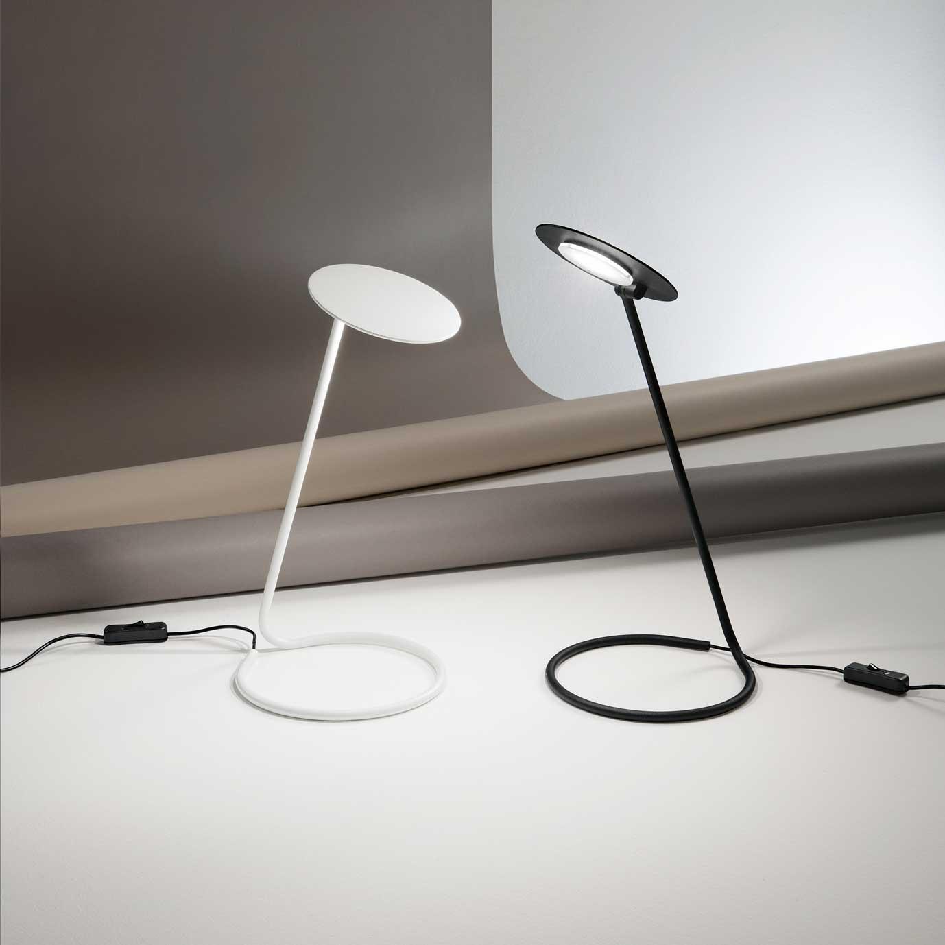 Perenz Lampada Da Tavolo A Led Orientabile Di Design Moderno In Metallo Kobra
