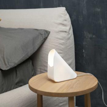 Vesta Lampada da comodino dal design moderno con lampadina a risparmio energetico Shell     01020