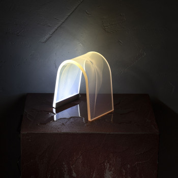 Vesta Lampada da tavolo a LED in plexiglass dal design moderno Arc Trasparente  6000k Luce Bianca  08150E0