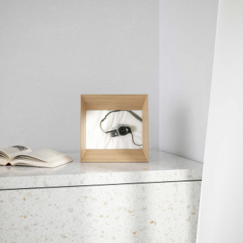 Umbra Portafoto moderno orientabile in legno      1016771