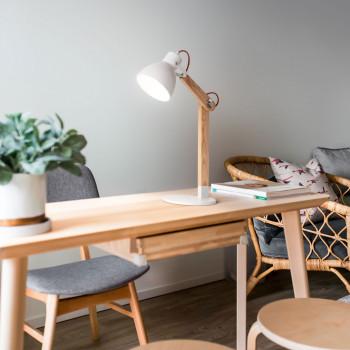 Fabas Luce Lampada da tavolo in stile moderno con struttura in legno e paralume in metallo Sveva     3644-30