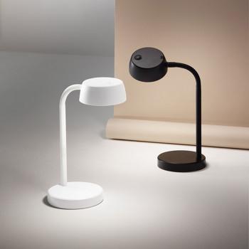 Perenz Lampada da tavolo a led per scrivania con lume orientabile in plastica Puddy  Lumen 500 3000k Luce Calda  6724