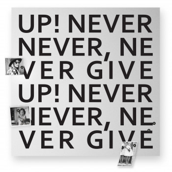 "Design Object Lavagna magnetica gigante con accessori magnetici per foto ""NEVER GIVE UP""      IT616WBIG"