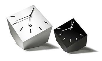 Orologio da tavolo moderno e classico ma sempre di design
